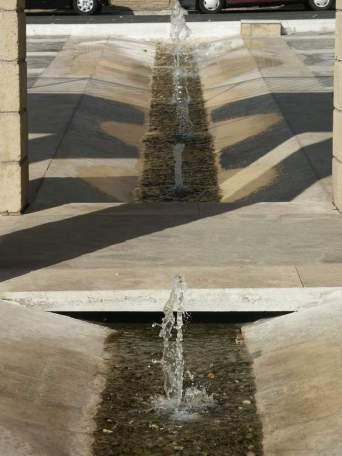 Particolare canale d'acqua