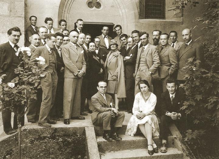 00-01_eerste_ciam-congres_1928_groepsfoto1