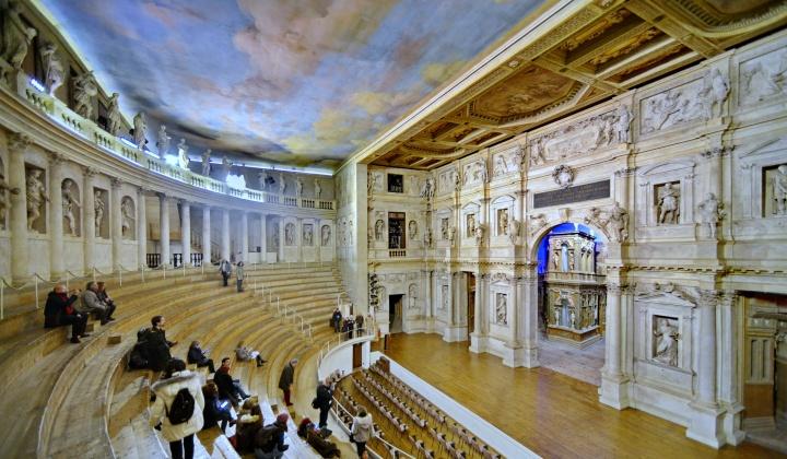 Teatro 01_ridimensiona.jpg