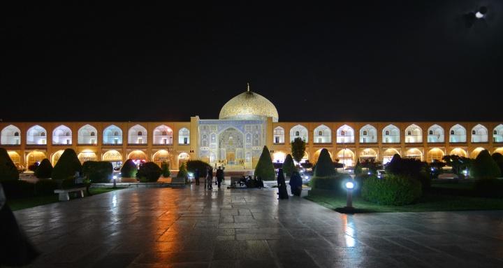 Isfahan_302tris