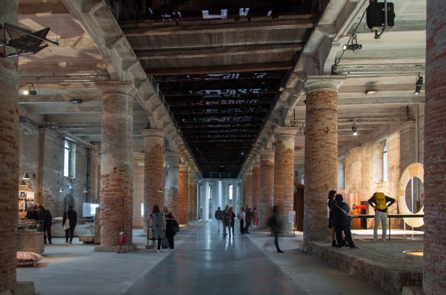 0_COVER_-Biennale-di-Architettura-di-Venezia-2018.-Arsenale.-Freespace.-Photo-Irene-Fanizza-1