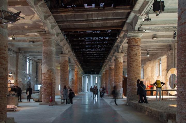 0_COVER_-Biennale-di-Architettura-di-Venezia-2018.-Arsenale.-Freespace.-Photo-Irene-Fanizza-1